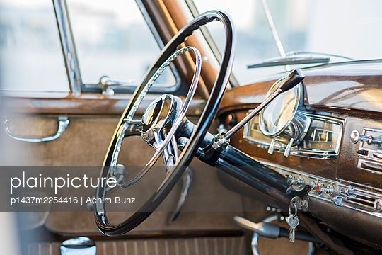 Mercedes Benz Ponton, steering wheel, dashboard - p1437m2254416 by Achim Bunz