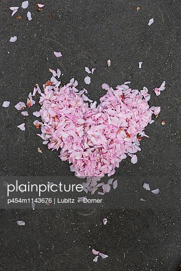 Frühlingsgefühle - p454m1143676 von Lubitz + Dorner