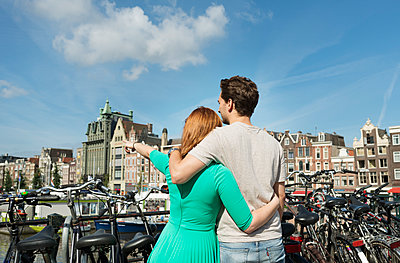 Couple in Amsterdam - p1132m1159140 by Mischa Keijser