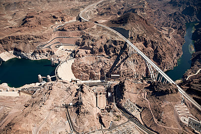 Hoover Dam aerial view - p850m2026690 by FRABO