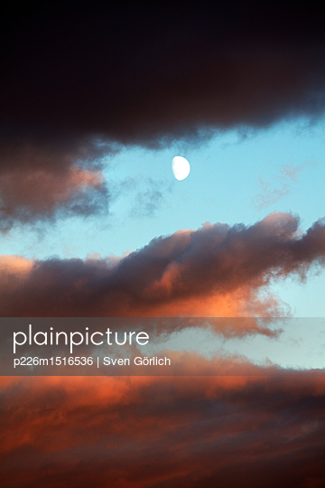 Dramatischer Himmel - p226m1516536 von Sven Görlich