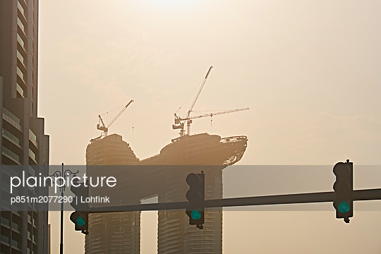 New building in Dubai - p851m2077290 by Lohfink