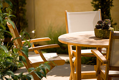Canvas Chairs in Outdoor Dining Set - p5550386f by LOOK Photography