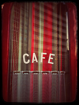 Cafe in Paris - p567m1095636 by Alexis Bastin