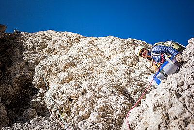 Klettern - p741m2082507 von Christof Mattes