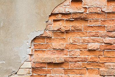 Italy, Veneto, Venice, brickstone wall - p300m998325f by Gaby Wojciech