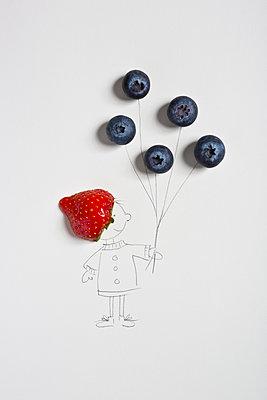 Little berry man - p454m1115794 by Lubitz + Dorner
