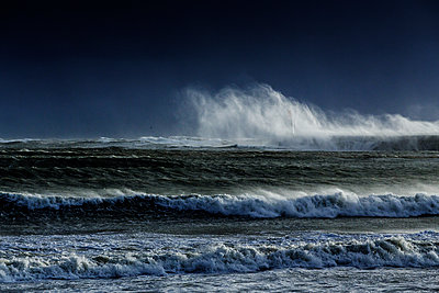 Surging billows on the coast - p910m1159389 by Philippe Lesprit