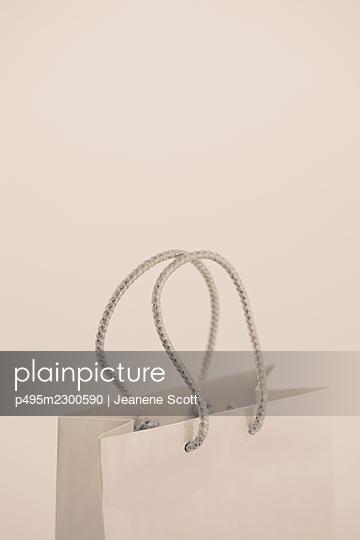 White shopping bag - p495m2300590 by Jeanene Scott