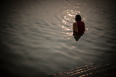 Women bathing in Ganges - p1007m1144383 by Tilby Vattard