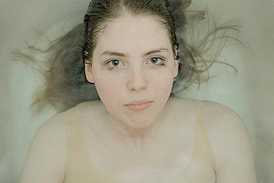 Underwater - p1471m1540465 by Natalia Bazina