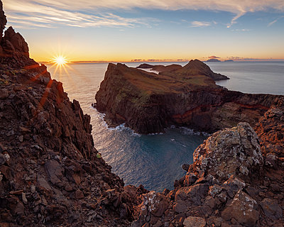Portugal, Madeira, Sunrise - p1549m2158053 by Sam Green