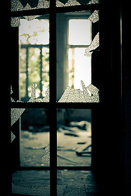 Broken window - p7950134 by JanJasperKlein