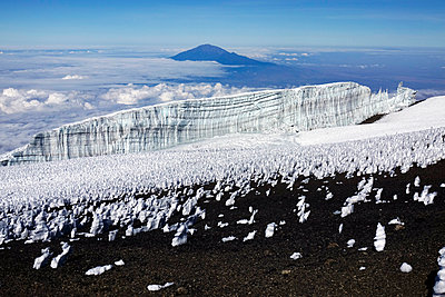 The summit plateau of Uhuru peak's highest point, Kilimanjaro, UNESCO World Heritage Site, Tanzania, East Africa - p871m2057947 by David Pickford