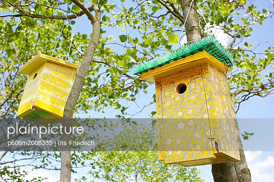 Bemalte Vogelhäuschen - p606m2008385 von Iris Friedrich