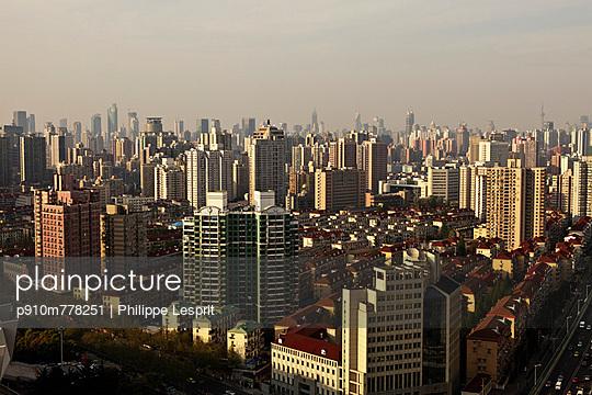 Shanghai - p910m778251 by Philippe Lesprit
