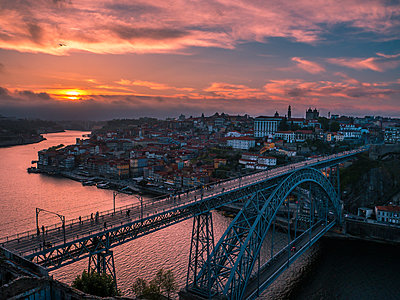 Portugal, Porto, Ponte Dom Luis I in the evening - p1681m2263268 by Juan Alfonso Solis