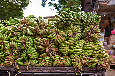 Bananas - p390m958970 by Frank Herfort