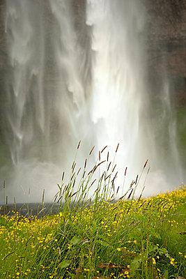 Wasserfall - p382m1068349 von Anna Matzen