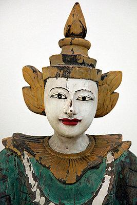 Hölzerne Thai-Statue - p6640011 von Yom Lam