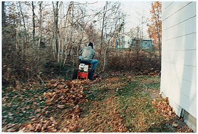 Rasenmaeher - p9792509 von DuPont
