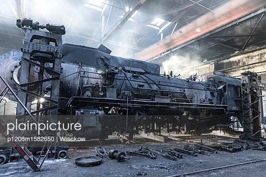 Eisenbahn Werkstatt - p1208m1582650 von Wisckow