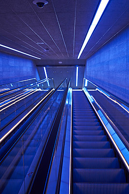 Escalator in the subway station - p1198m2278298 by Guenther Schwering