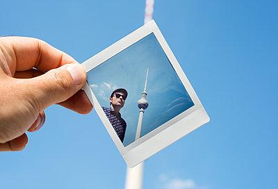 Polaroid of Berliner Fernsehturm - p1423m2026190 by JUAN MOYANO