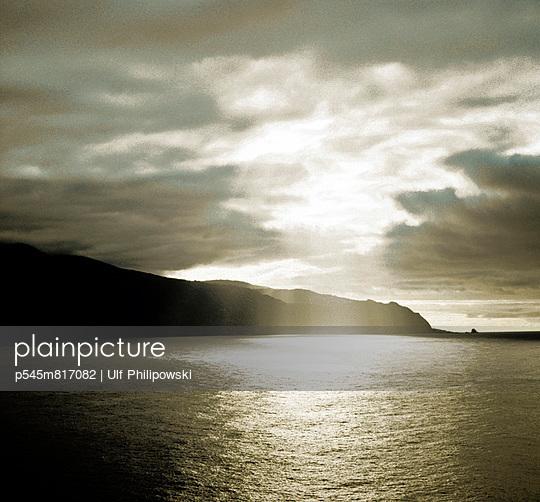 Wolkenloch - p545m817082 von Ulf Philipowski