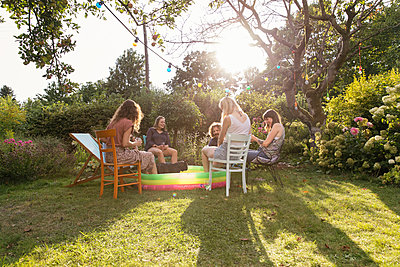 In the allotment garden - p788m2027490 by Lisa Krechting
