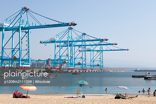 Bathing beach and container terminal - p1208m2111098 by Wisckow