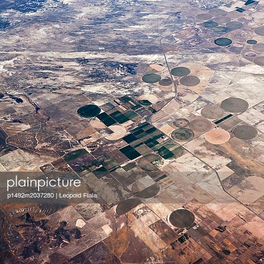 Militärgelände Wüste Luftaufnahme - p1492m2037280 von Leopold Fiala
