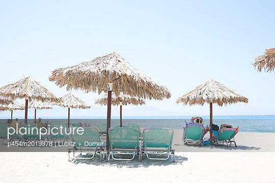 Ruhiger Tag am Strand - p454m2019978 von Lubitz + Dorner