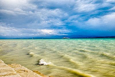 Am Ufer des Bodensee - p9793399 von Hoschek