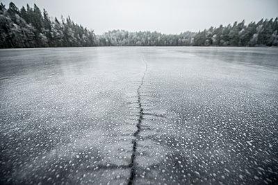 Frozen lake - p312m1495628 by Fredrik Schlyter