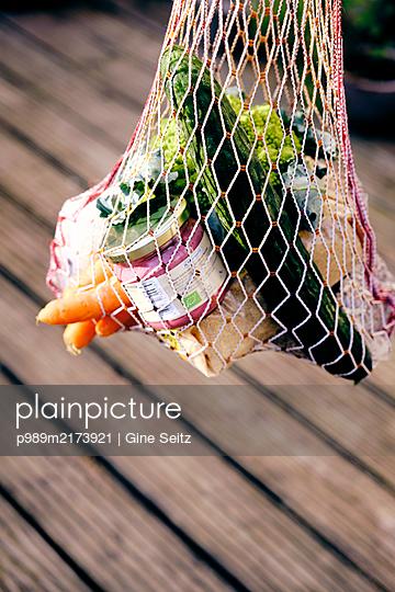 Einkaufsnetz - p989m2173921 von Gine Seitz