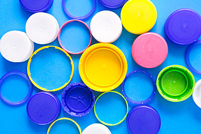 Plastic waste - p1149m2122031 by Yvonne Röder
