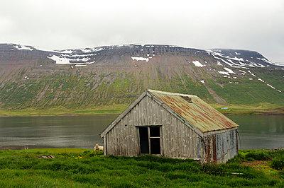 Wooden hut - p470m954747 by Ingrid Michel