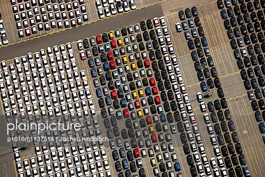 Autoterminal in Bremerhaven - p1016m1137514 von Jochen Knobloch