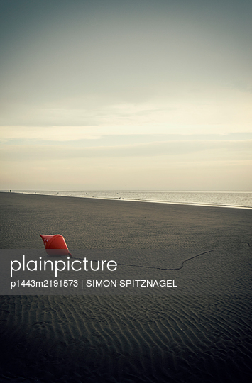 Buoy on the beach - p1443m2191573 by SIMON SPITZNAGEL