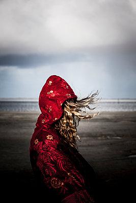 Woolen coat - p248m1116324 by BY