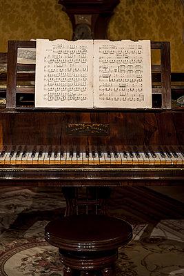 Old piano and sheet music - p1170m1573337 by Bjanka Kadic