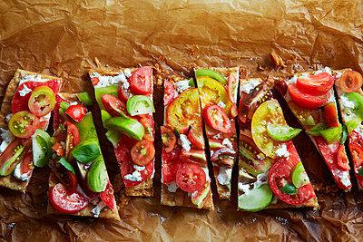 Tomato tarte - p938m1050190 by Christina Holmes