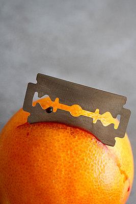 Cutting damage - p450m1223633 by Hanka Steidle