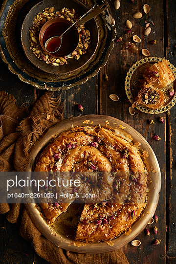 Filo dough with pistachios - p1640m2261059 by Holly & John
