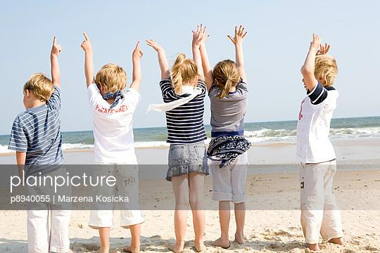 Kinder am Strand - p8940055 von Marzena Kosicka