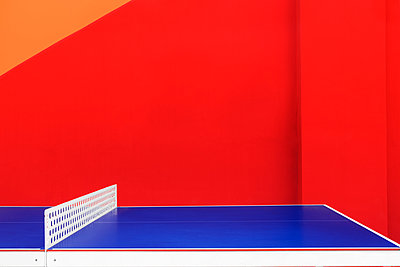 Ping-pong table - p1280m1439920 by Dave Wall