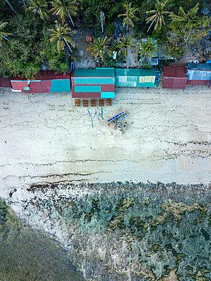 Indonesia, Bali, Padang, Aerial view of Thomas beach - p300m2042611 von Konstantin Trubavin