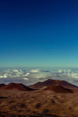 Vulkankrater - p741m892056 von Christof Mattes