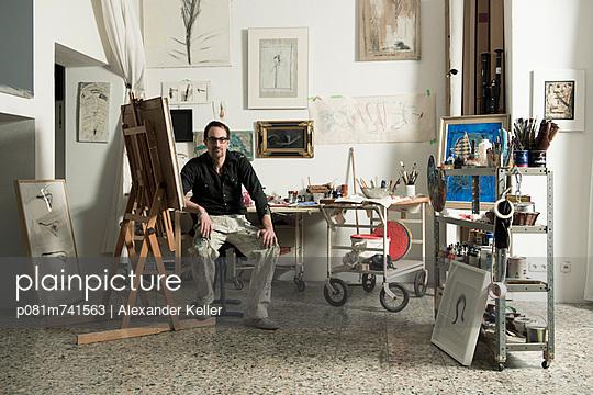 Maler seinem Atelier - p081m741563 von Alexander Keller